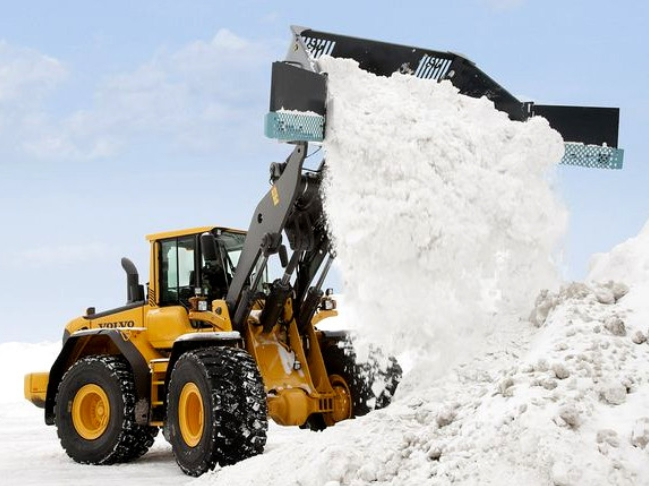 Скоростная уборка снега