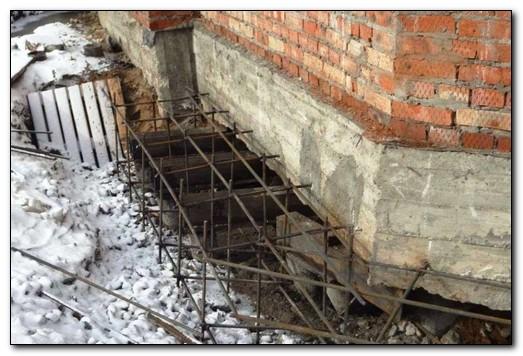 Как не допустить появления трещин в фундаменте