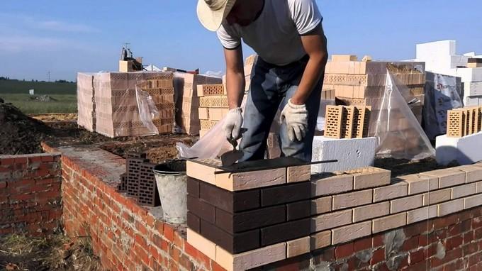поэтапное строительство дома из кирпича
